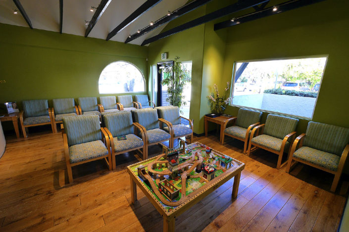 Comfortable Waiting Room Dentist For Children - Dr. Barrera Campbell CA Pediatric Dentist